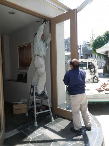 品川区の建具屋太明,施工例,ドアの調整,ドアクローザー,フロアヒンジ