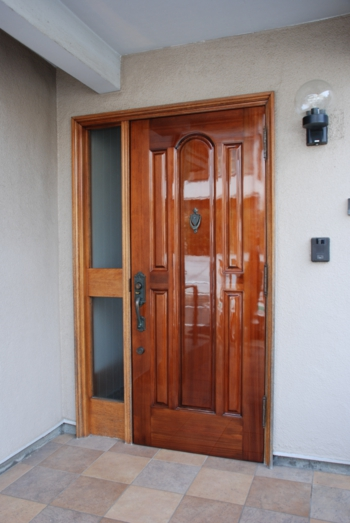 品川区の建具屋太明,施工例,YAMAHAドア,玄関ドア,再塗装