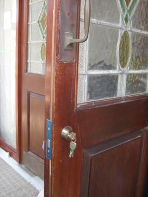 品川区の建具屋太明,施工例,アンティークドア,カギ交換,店舗ドア