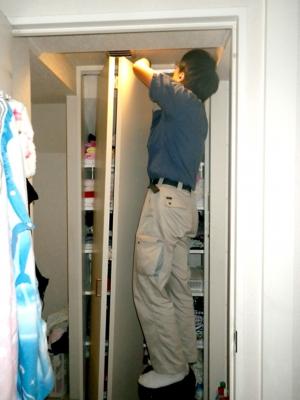 品川区の建具屋太明,施工例,クローゼット,戸車交換,クローゼットのドア修理