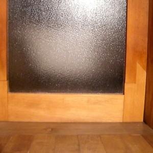 品川区の建具屋太明,施工例,木製ガラス戸の補修,木製ガラス戸の修理,浴室の木製ドア